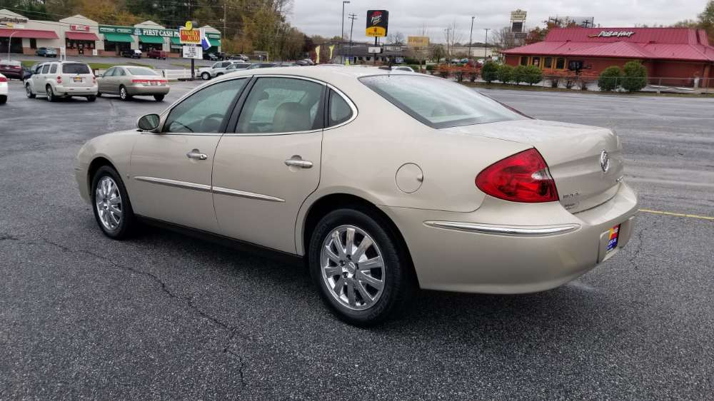 Buick Lacrosse 2009 Gold
