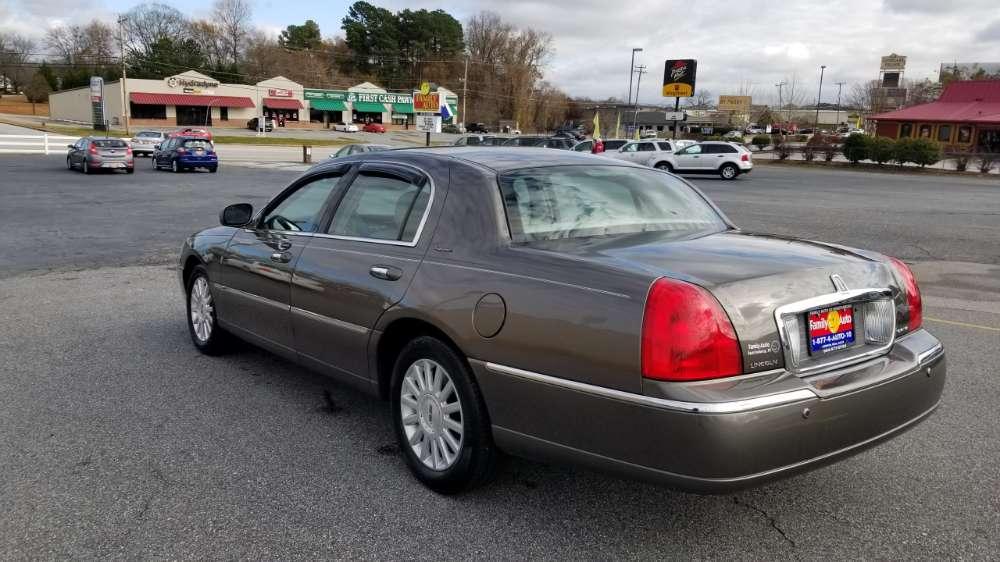 Lincoln Town Car 2004 Gray