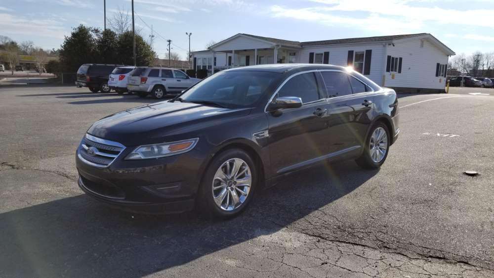 Ford Taurus 2011 Black