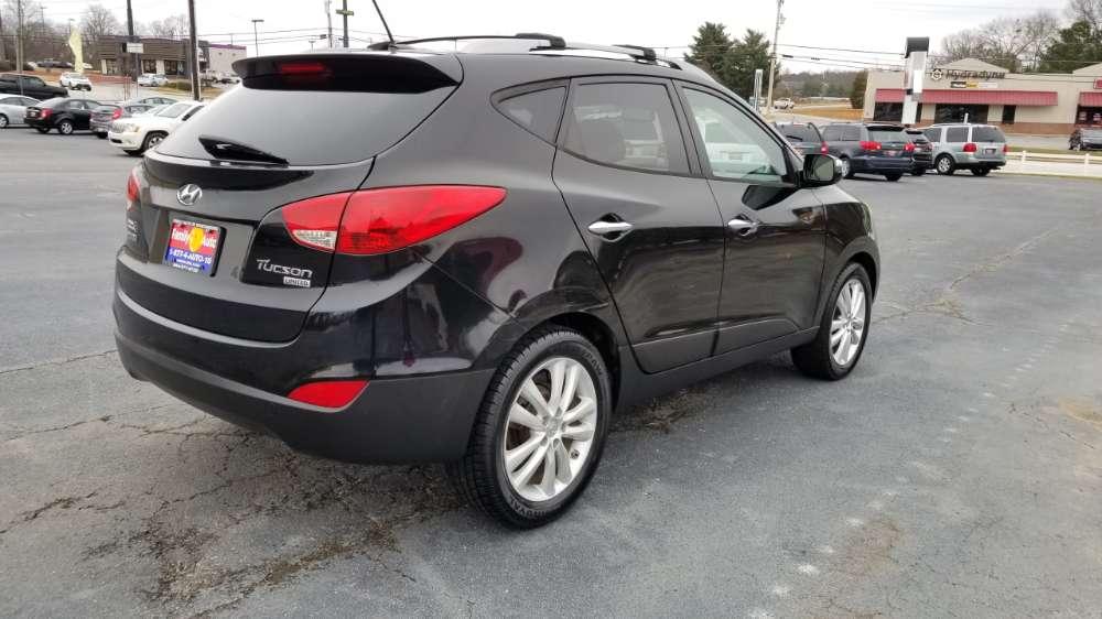 Hyundai Tucson 2012 Black