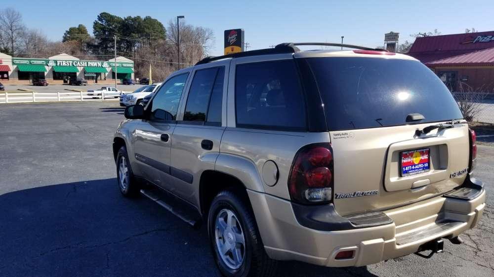Chevy Trailblazer 2004 Gold