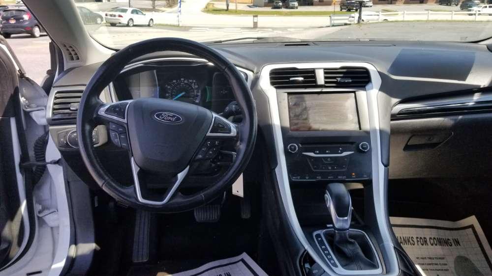 Ford Fusion 2013 White