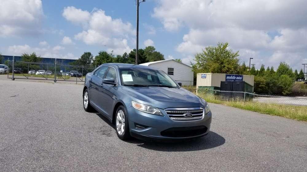 Ford Taurus 2010 Blue