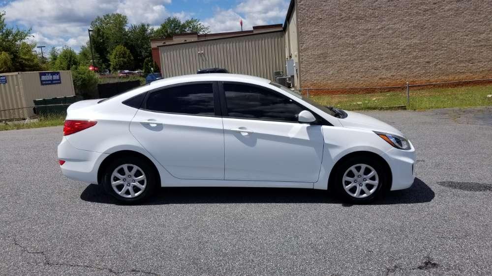 Hyundai Accent 2014 White