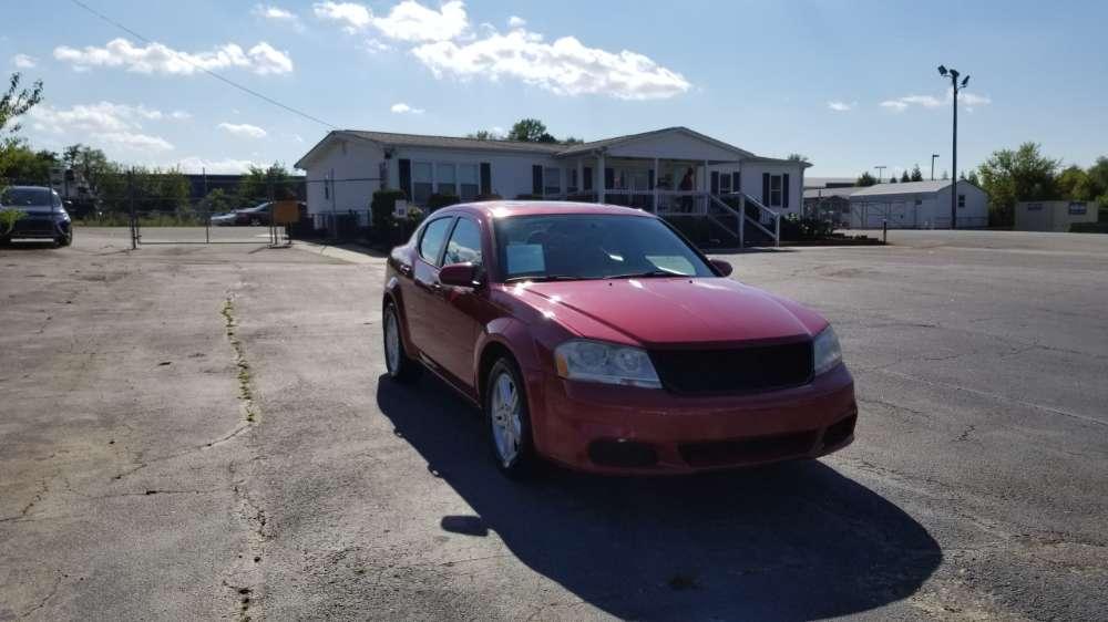 Dodge Avenger 2011 Red