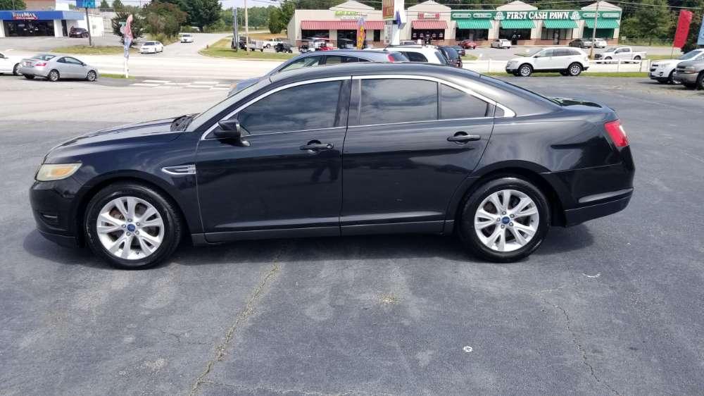 Ford Taurus 2011 Black