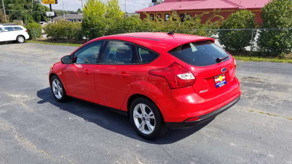 Ford Focus 2013 Red