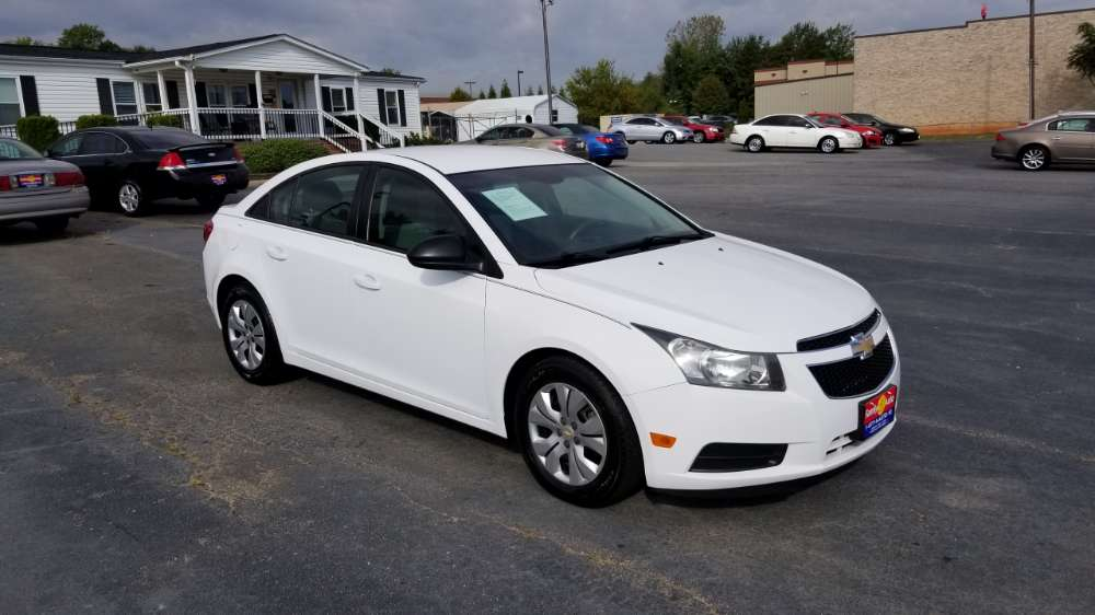 Chevrolet Cruze  White